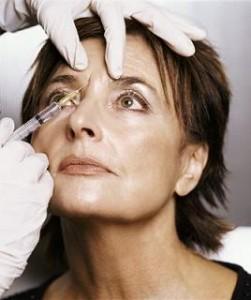 Aplicação de botox para preenchimento de rugas