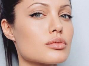 Rosto da Angelina Jolie