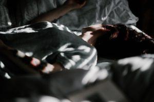 Sono de beleza: 4 dicas para evitar uma pele privada de sono